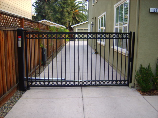 Single swing gate contemporary exterior san