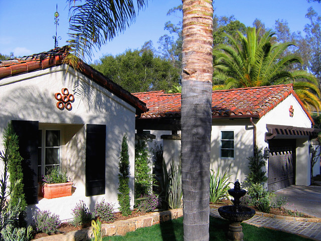 Small santa barbara style spanish home in montecito for Tiny house santa barbara