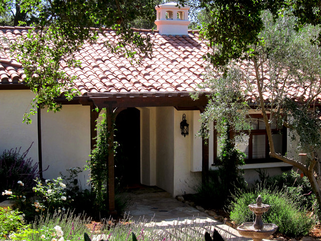 Small spanish cottage in montecito ca mediterranean for Tiny house santa barbara