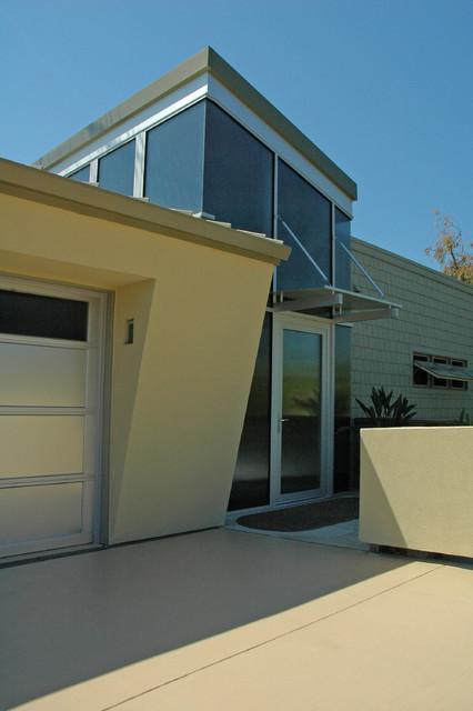 Solana Beach, CA Residence contemporary-exterior