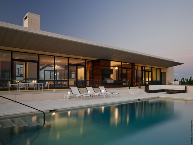 Southampton Ocean Front Residence modern-exterior