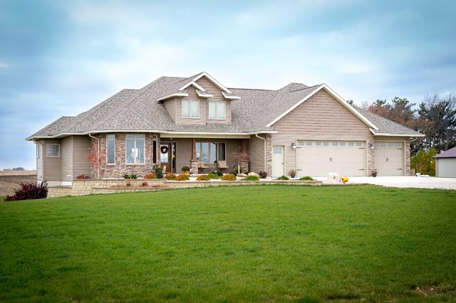 Southern Minnesota Traditional Custom Home 194