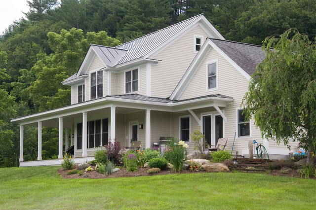 Southern VT Greek Revival farmhouse Addition Traditional Exterior burli