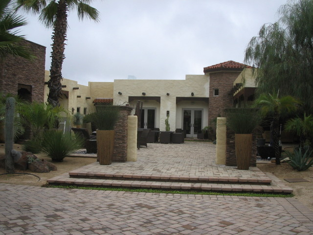 Southwest residence entry court yard tropical-exterior