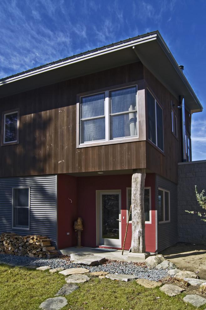 Exempel på ett modernt hus, med metallfasad