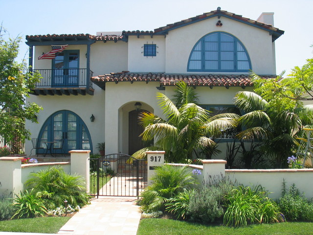 Spanish colonial mediterranean style homes for Mediterranean style homes exterior