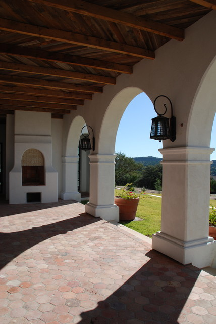 Spanish oaks colonnade for Mediterranean architecture features