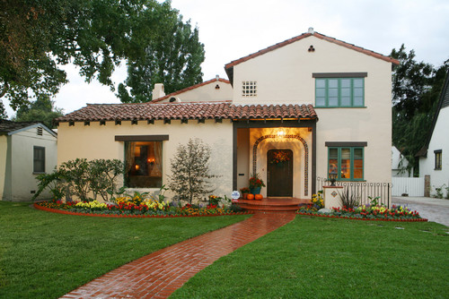 Was the exterior finish synthetic stucco or traditional for Spanish revival exterior paint colors