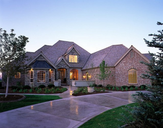 Spurwing Traditional Exterior Boise By Jenkins