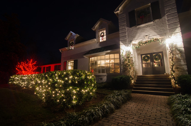 St Louis Outdoor Christmas Holiday Lighting
