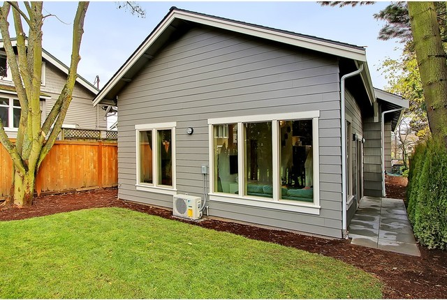 Staged Green Canopy Homes - Teresa traditional-exterior