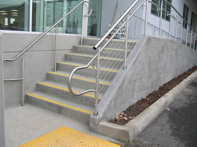 Stainless steel cable railing systems modern exterior
