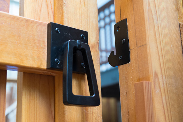 Stainless Steel Modern Ring Gate Latch With Tapered Handle