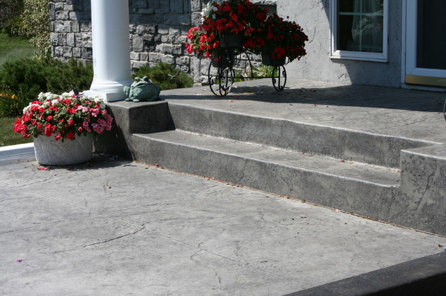 Stoop traditional-exterior