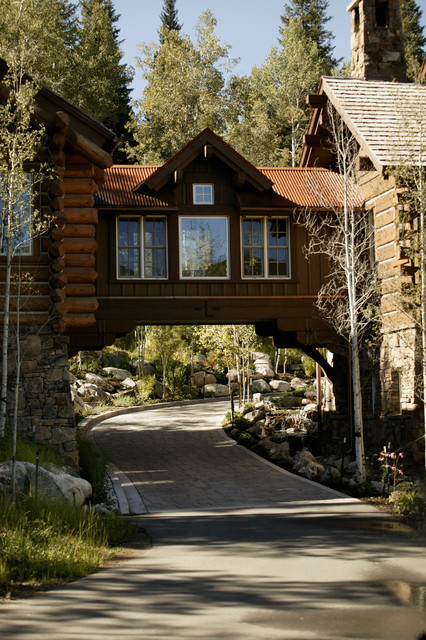 storm mountain ranch house rustic-exterior