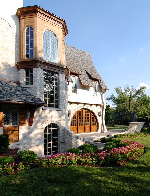 Storybook Manor | Hinsdale, IL traditional-exterior