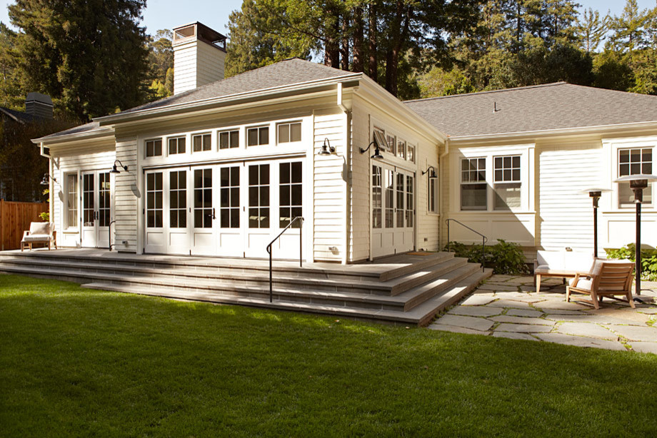 Stunning exterior that backdrops to the redwoods