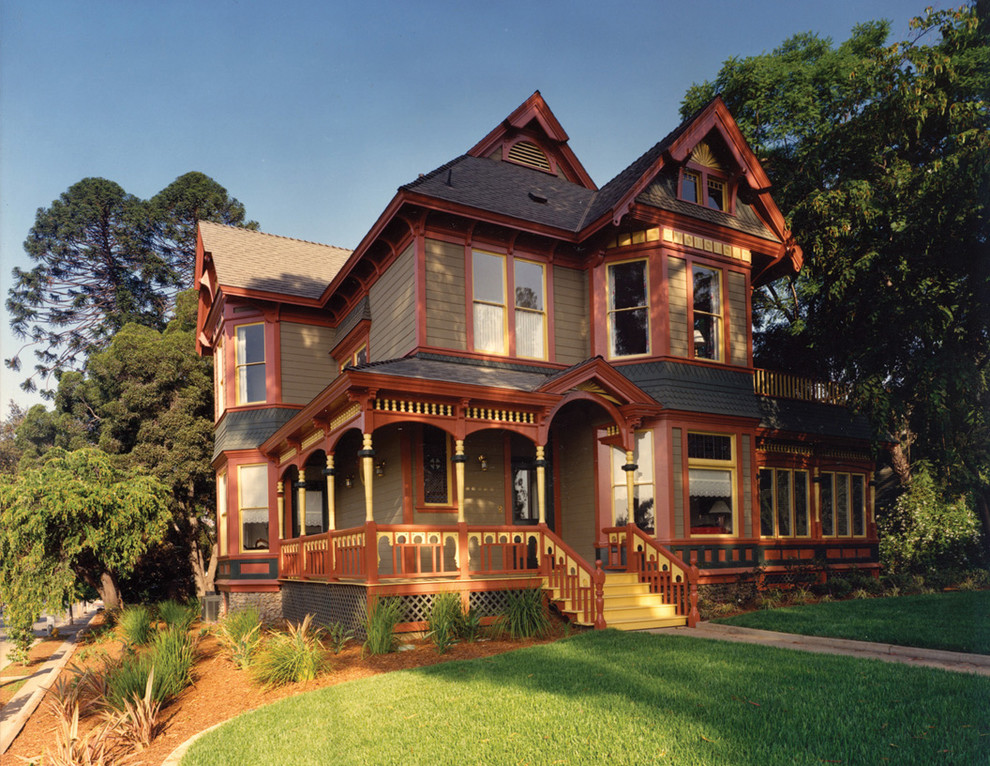 Inspiration for a victorian exterior home remodel in Los Angeles