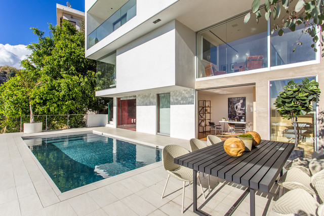 Sunset plaza contemporary exterior los angeles by - Villa moderne los angeles meridith baer ...
