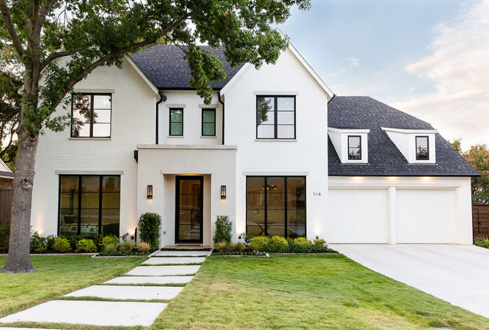 Example of a transitional exterior home design in Dallas