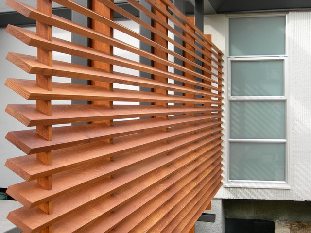 teak screen wall