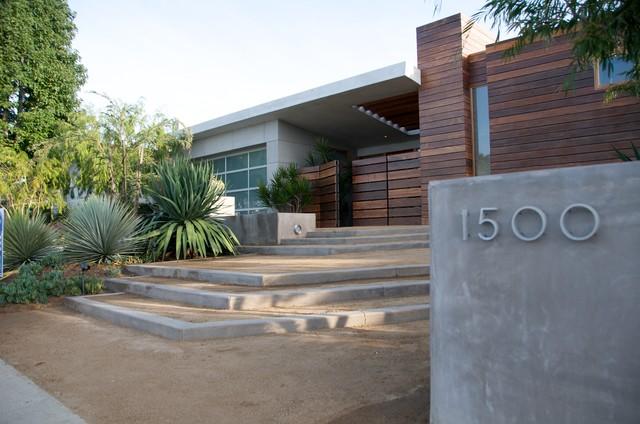 Concrete And Decomposed Granite Lead