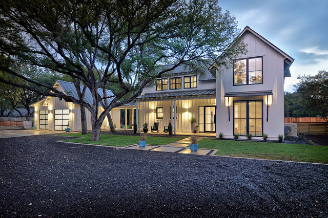 Texas Contemporary Farmhouse Exterior austin by DRM Design Group Land