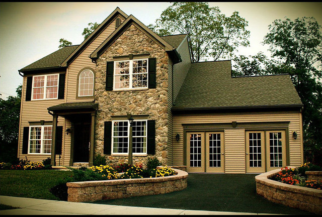 The Breezewood traditional-exterior