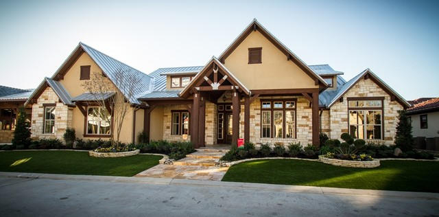 The Cross Creek Rustic Exterior Houston by Design Tech Homes