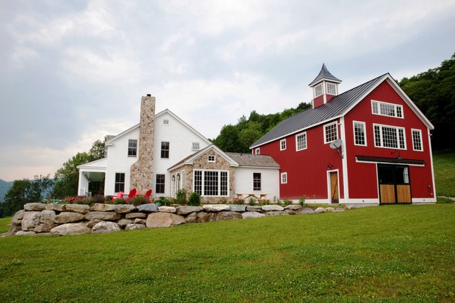 The Eaton Post And Beam Carriage House Farmhouse Exterior