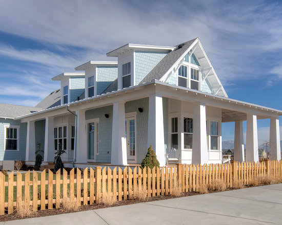 Beach style craftsman style home design photos decor ideas for Coastal craftsman style homes