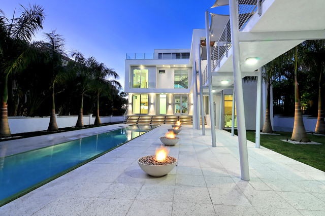 The picture frame house modern exterior tampa by for Pool design concepts sarasota