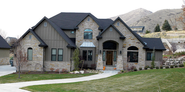 Thin veneer and patio stone for Mixing brick and stone exterior