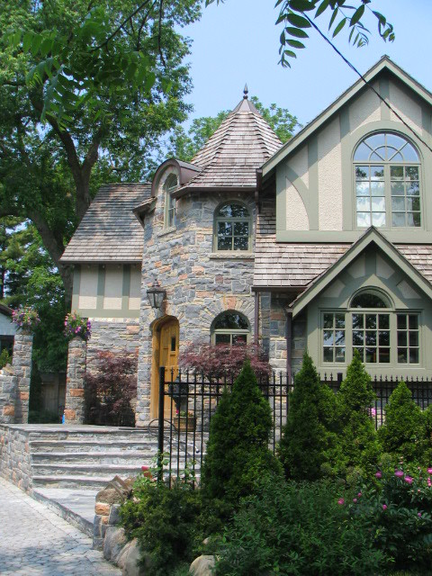 Thornhill Ave. 8 traditional-exterior