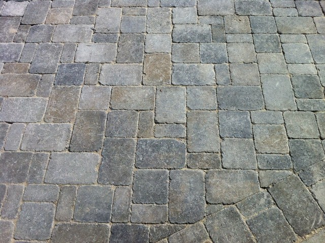 Three Piece Random Pattern Dublin Cobble By Belgard Contemporary Exterior