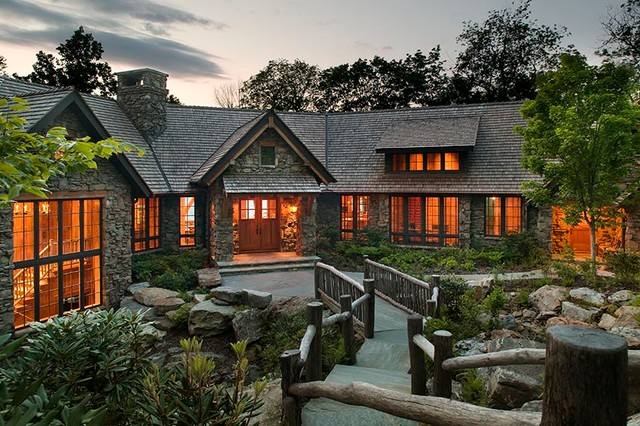 Mountain Air Family Lodge traditional-exterior