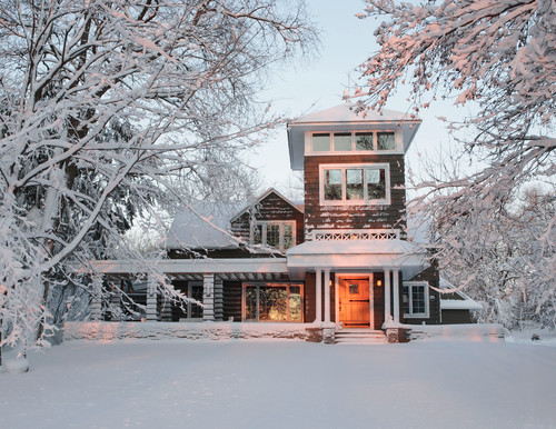 keeping your home safe on winter vacation