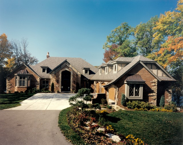 Grandview Manor traditional-exterior