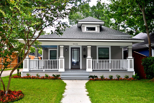 6 stunning home exterior makeovers you have to see to for American classic homes mn
