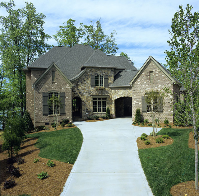 Ext traditional-exterior