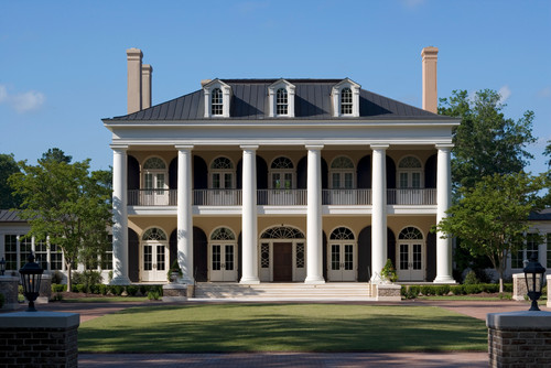 What Is A Colonial Home A Beloved American Architecture Style