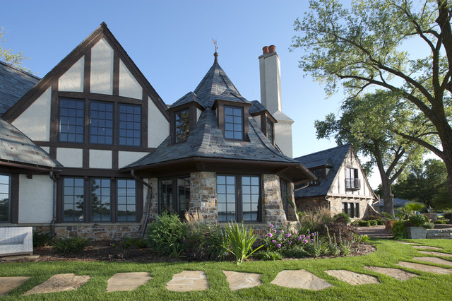 American architecture the elements of tudor style - What makes a house a tudor ...