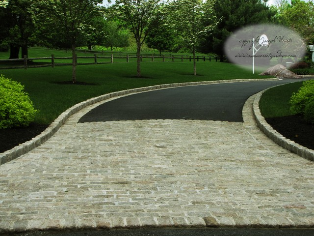 Cobble Stone Driveway In New York Traditional Exterior