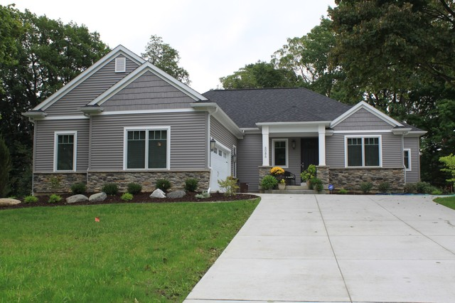 Traditional ranch traditional exterior other by for Ranch homes with vinyl siding