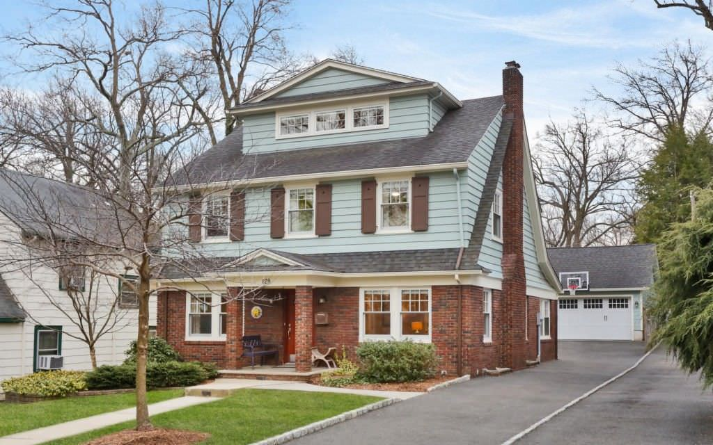 Transitional Colonial Exterior