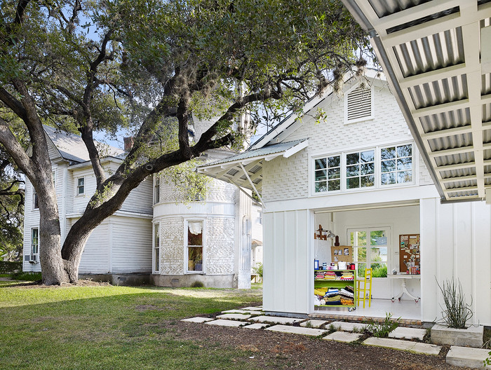 Traditional exterior home idea in Austin