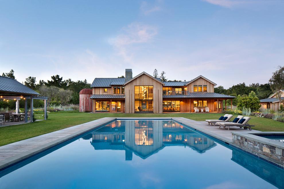 Example of a mountain style exterior home design in San Francisco