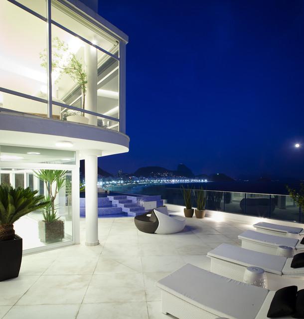 Tríplex Copacaba, Rio de Janeiro | Carlos Cesar Ferreira Architecture modern-exterior
