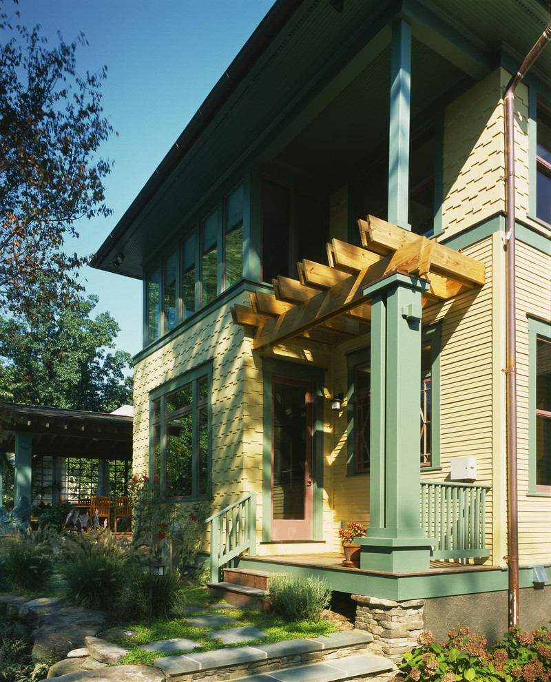 Inspiration for a craftsman exterior home remodel in DC Metro