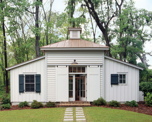 What Is The Color And Manufacture Of The Metal Roof